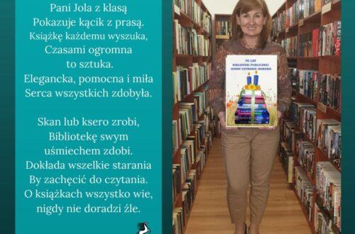 Zdjęcia osób pracujących w bibliotece z wierszykami